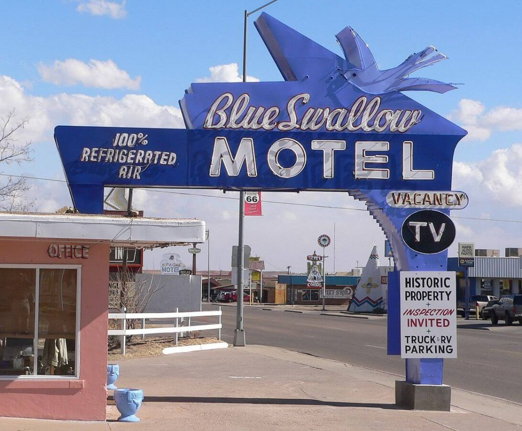 BLUE SWALLOW MOTEL: TUCUMCARI, NEW MEXICO