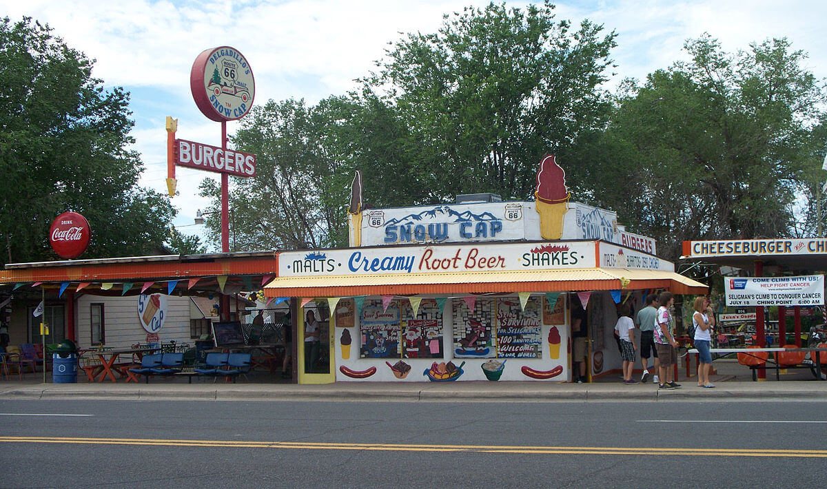 DELGADILLO'S SNOW CAP DRIVE IN: SELIGMAN, ARIZONA